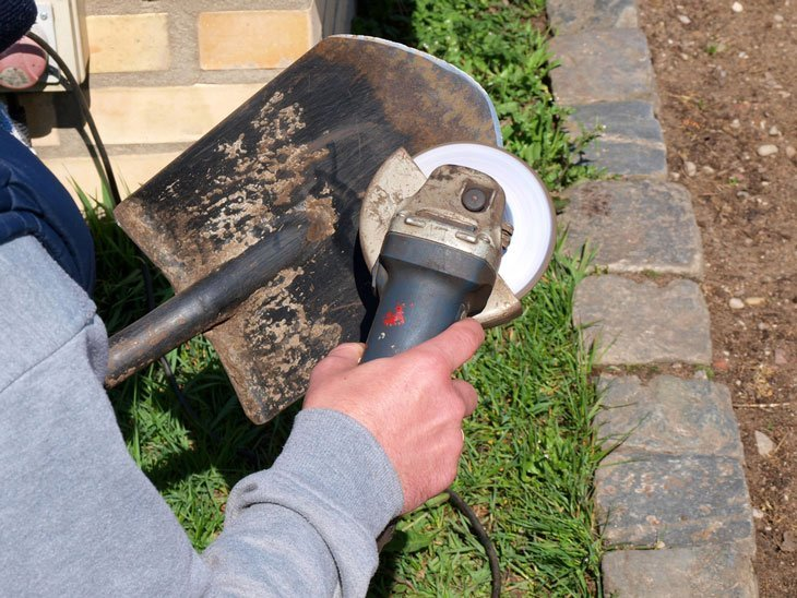 how to sharpen a shovel - Metal Grinding Disc or Electric Hand Drill Method