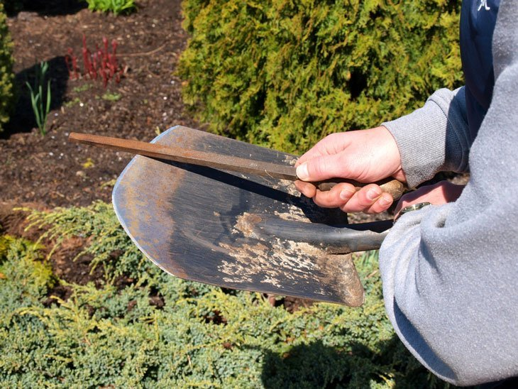 how to sharpen a shovel - Steel wool and File Method